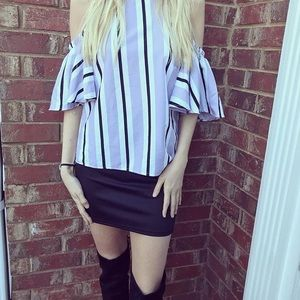 Charlotte Russe open shoulders shirt XS